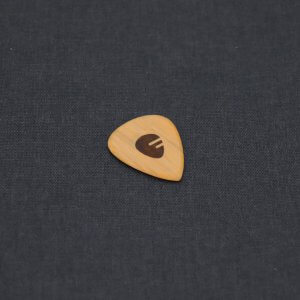 fretlook_accessories_maple_pick_01