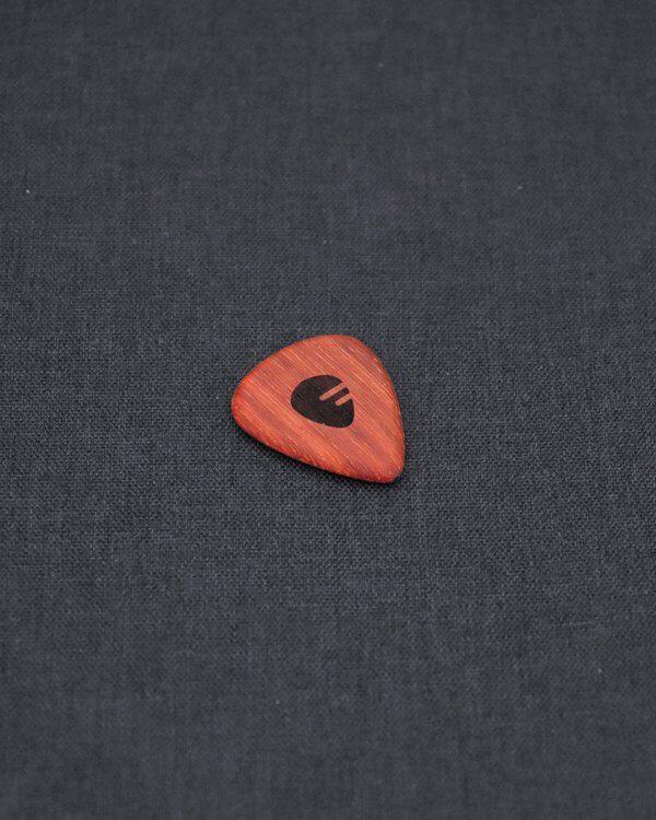 fretlook_accessories_padouk_pick_01